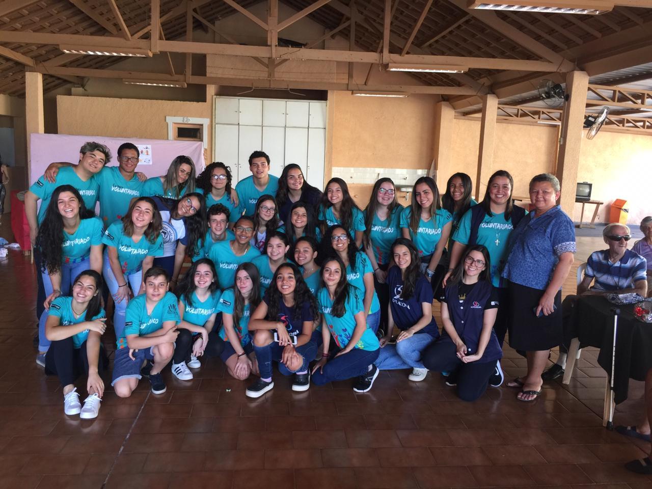Grupo de Voluntariado realiza confraternização no Lar Padre Euclides